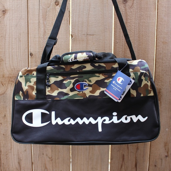 Champion camoflauge Duffel Bag (RARE) 22